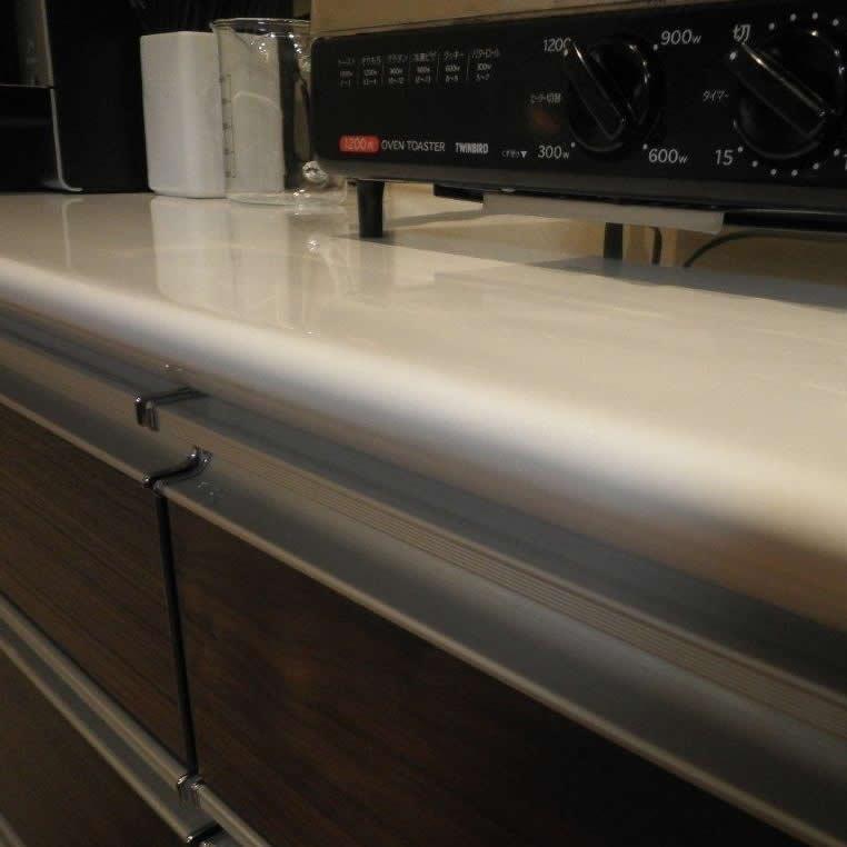 食器棚鏡面カウンター木口キズ補修 補修後