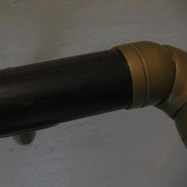 階段手摺木部大きな剥れ 補修後