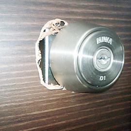 鍵穴打ち間違い修復 補修前